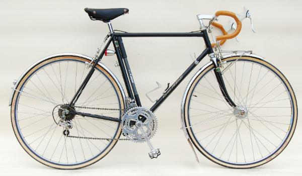 A real world 'fast' bike - a vintage Rene Herse randonneur bike.