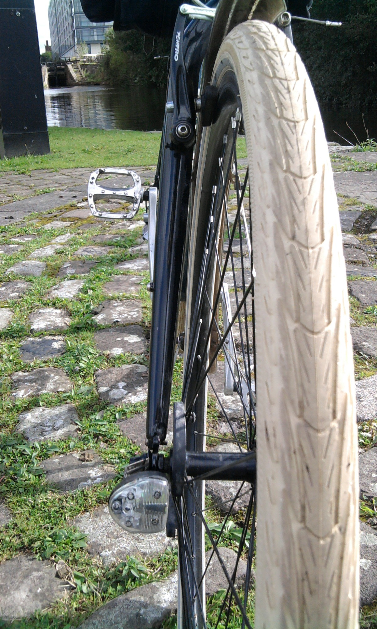 700 x 25c SCHWALBE MARATHON Puncture Resistant Roadster Bike Tyre Black