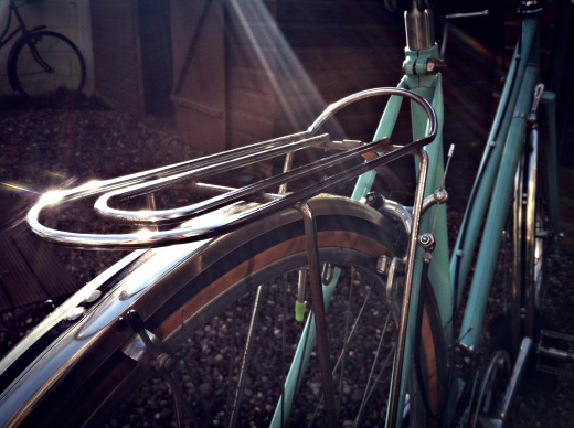 The beautiful, slender chromed steel rack responded well to the caress of wire wool.